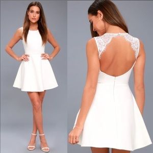 New lulus need you to close lace backless dress